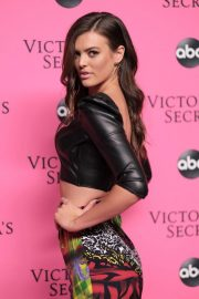 Sofie Rovenstine at Victoria's Secret Viewing Party in New York 2018/12/02 4