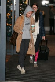 Stacey Dooley Leaves Her Hotel in London 2018/12/01 3