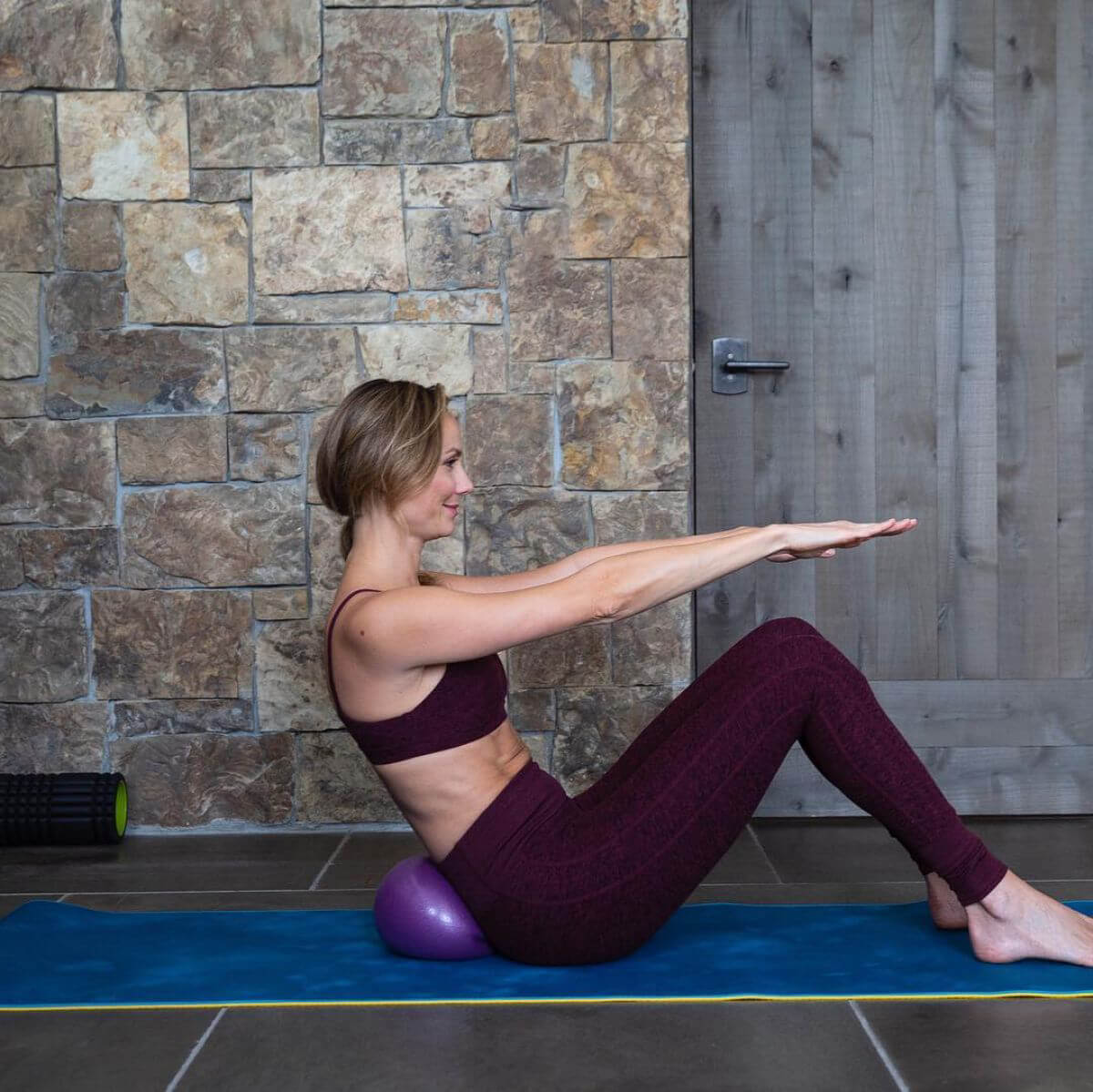 Stacy Keibler Working Out in Instagram Pictures 2018/12/26 1