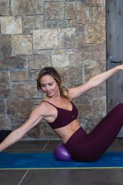 Stacy Keibler Working Out in Instagram Pictures 2018/12/26 2