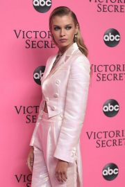 Stella Maxwell at Victoria's Secret Viewing Party in New York 2018/12/02 1
