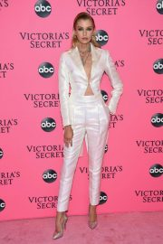 Stella Maxwell at Victoria's Secret Viewing Party in New York 2018/12/02 3
