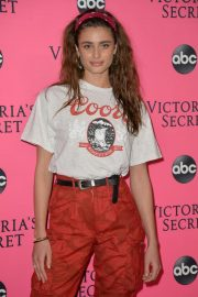 Taylor Hill at Victoria's Secret Viewing Party in New York 2018/12/02 4