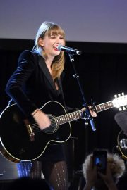 Taylor Swift Performs at Ally Coalition Talent Show in New York 2018/12/05 6