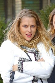 Teresa Palmer Out in New York 2018/12/04 8