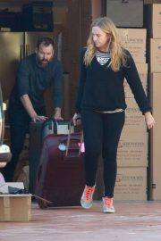 Toni Collette at Los Angeles International Airport 2018/12/13 2