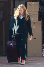 Toni Collette at Los Angeles International Airport 2018/12/13 6