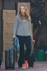 Toni Collette at Los Angeles International Airport 2018/12/13 7