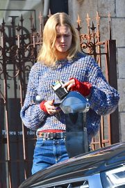 Toni Garrn Out for Coffee in West Hollywood 2018/12/01 2