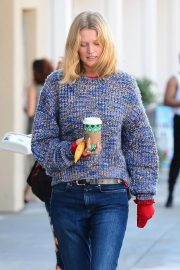 Toni Garrn Out for Coffee in West Hollywood 2018/12/01 5