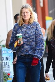 Toni Garrn Out for Coffee in West Hollywood 2018/12/01 8
