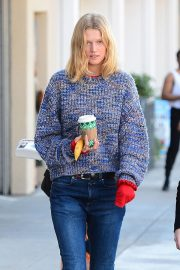 Toni Garrn Out for Coffee in West Hollywood 2018/12/01 9
