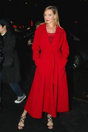 Uma Thurman Arrives at Versace Fashion Show in New York 2018/12/02 5