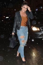 Vicky Pattison in Ripped Jeans Night Out in Newcastle 2018/12/15 5