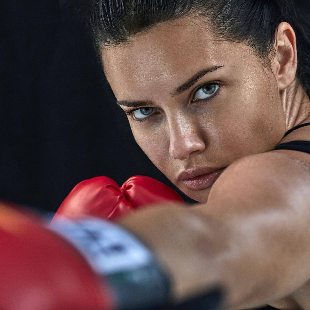 """Adriana Lima shared her photo and mentioned """"Health and wellness is a lifestyle"""" 1"""