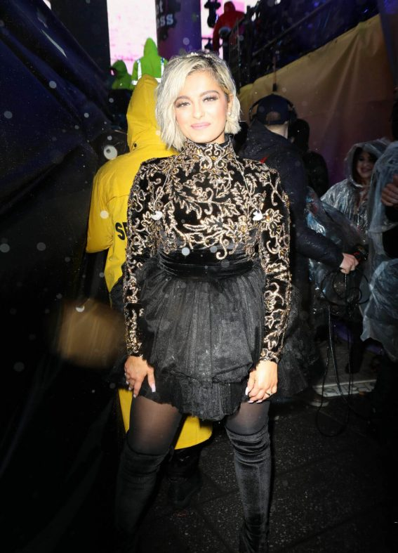 Bebe Rexha at New Year's Eve in New York 2018/12/31 1