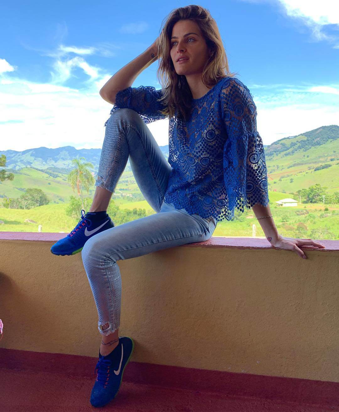 Brazilian Isabeli Fontana in Blue Top and Ankle Length Jeans - January 19, 2019 1