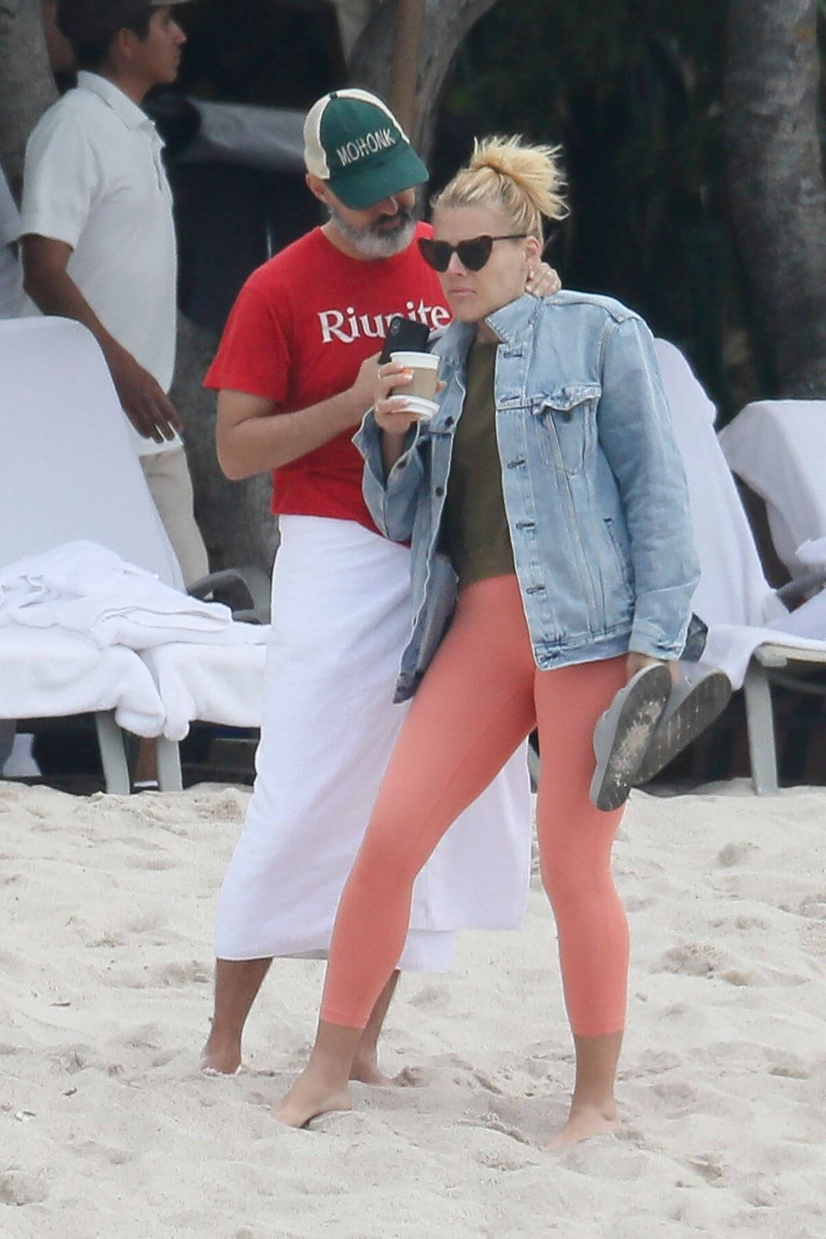 Busy Philipps at a Beach in Mexico 2018/12/31 1