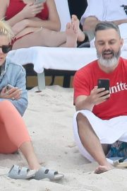 Busy Philipps at a Beach in Mexico 2018/12/31 3
