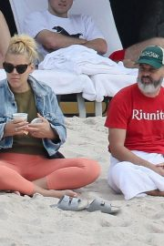 Busy Philipps at a Beach in Mexico 2018/12/31 4