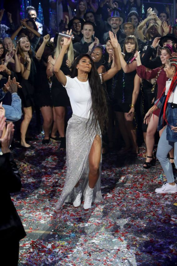 Ciara Performs at Dick Clark's New Year's Rockin' Eve 2019 in New York 2018/12/31 1