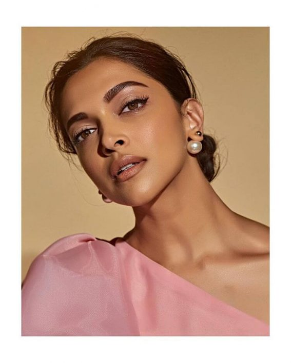 Deepika Padukone Photoshoot in Pink One Shoulder Top and Red Trousers on January 16, 2019 1