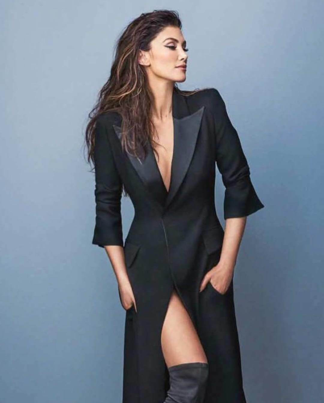 Delta Goodrem for Who Magazine Photoshoot, December 2018 1