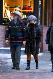 Goldie Hawn and Kurt Russell Out and About in Aspen 2019/01/01 5