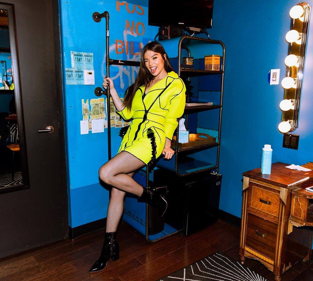 Hailee Steinfeld in Neon Dress with Puffy Sleeves on December 20, 2018 1