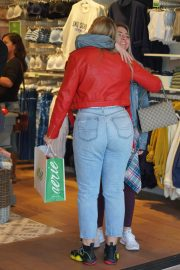 Iskra Lawrence at American Eagle Fashion Launch in Las Vegas 2018/12/29 2