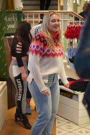 Iskra Lawrence at American Eagle Fashion Launch in Las Vegas 2018/12/29 6