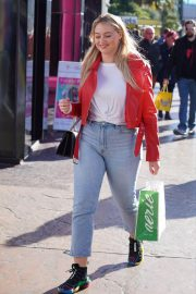 Iskra Lawrence Out and About in Las Vegas 2018/12/29 2