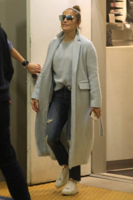 Jennifer Lopez Shopping at Tom Ford in Beverly Hills 2018/12/31 1