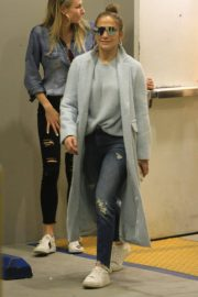 Jennifer Lopez Shopping at Tom Ford in Beverly Hills 2018/12/31 5
