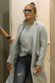 Jennifer Lopez Shopping at Tom Ford in Beverly Hills 2018/12/31 10
