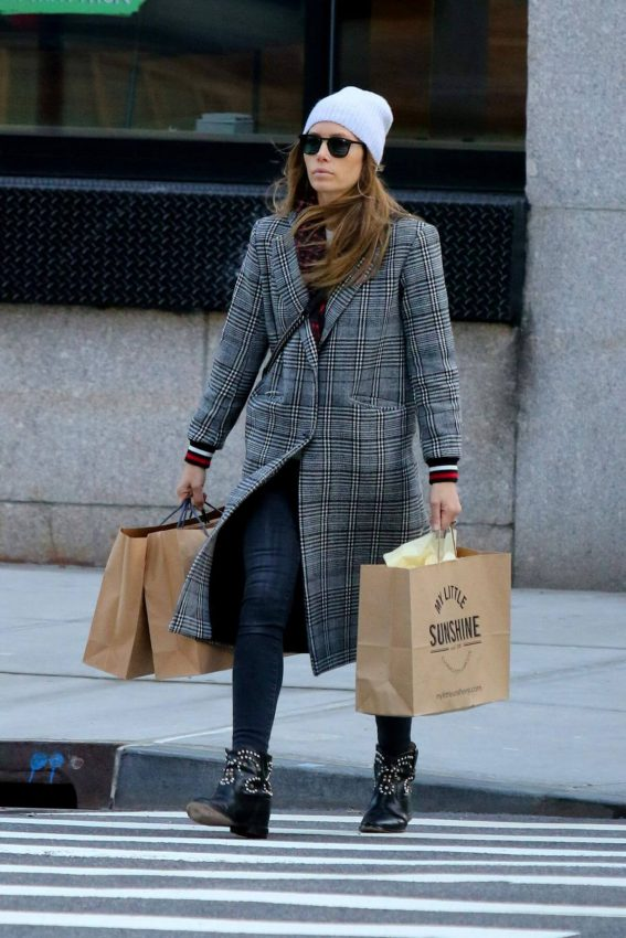 Jessica Biel Out and About in New York 2019/01/06 1