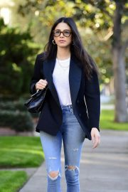 Jessica Gomes in Ripped Denim Out in Los Angeles 2018/12/21 2