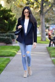 Jessica Gomes in Ripped Denim Out in Los Angeles 2018/12/21 4