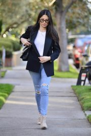 Jessica Gomes in Ripped Denim Out in Los Angeles 2018/12/21 6