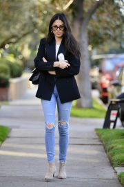Jessica Gomes in Ripped Denim Out in Los Angeles 2018/12/21 7