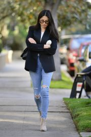 Jessica Gomes in Ripped Denim Out in Los Angeles 2018/12/21 8