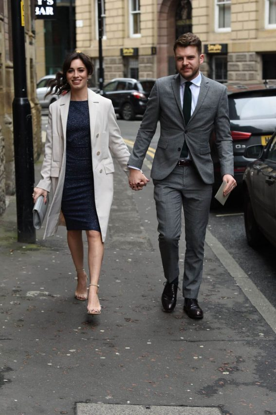 Julia Goulding Arrives Tina O'Brien's Wedding Day in Manchester 2018/12/31 1