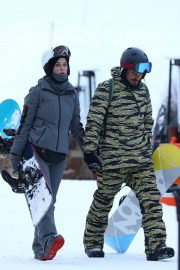 Katy Perry Out on Slopes in Aspen 2018/12/30 2