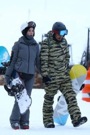Katy Perry Out on Slopes in Aspen 2018/12/30 7