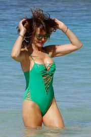 Lizzie Cundy in Swimsuit at a Beach in Barbados 2018/12/29 7