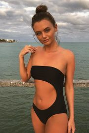 Love Island's Kendall Rae Knight in Black Swimsuit - Instagram Picture 2019/01/18 1