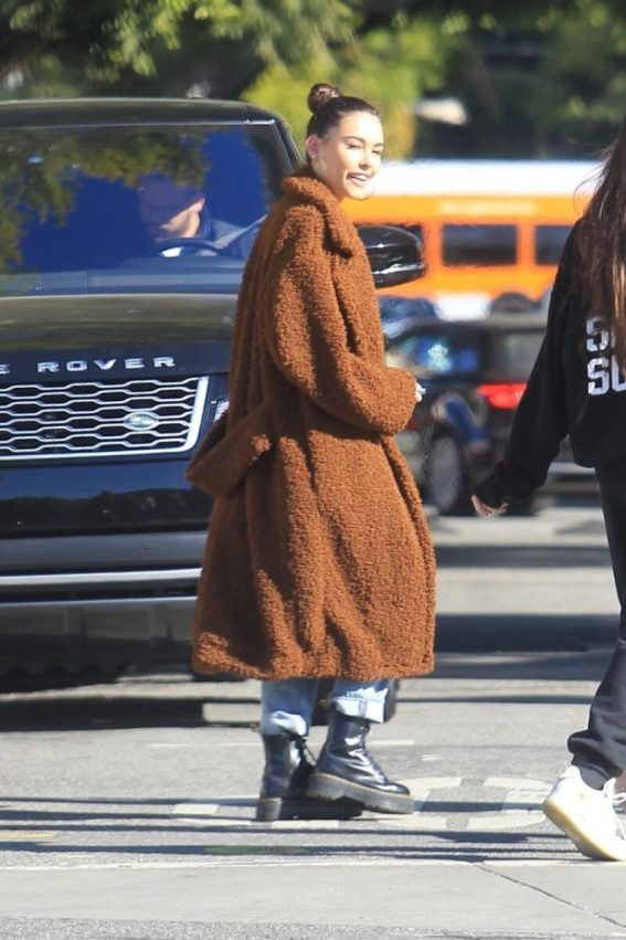 Madison Beer Out Shopping in Hollywood 2019/01/04 1