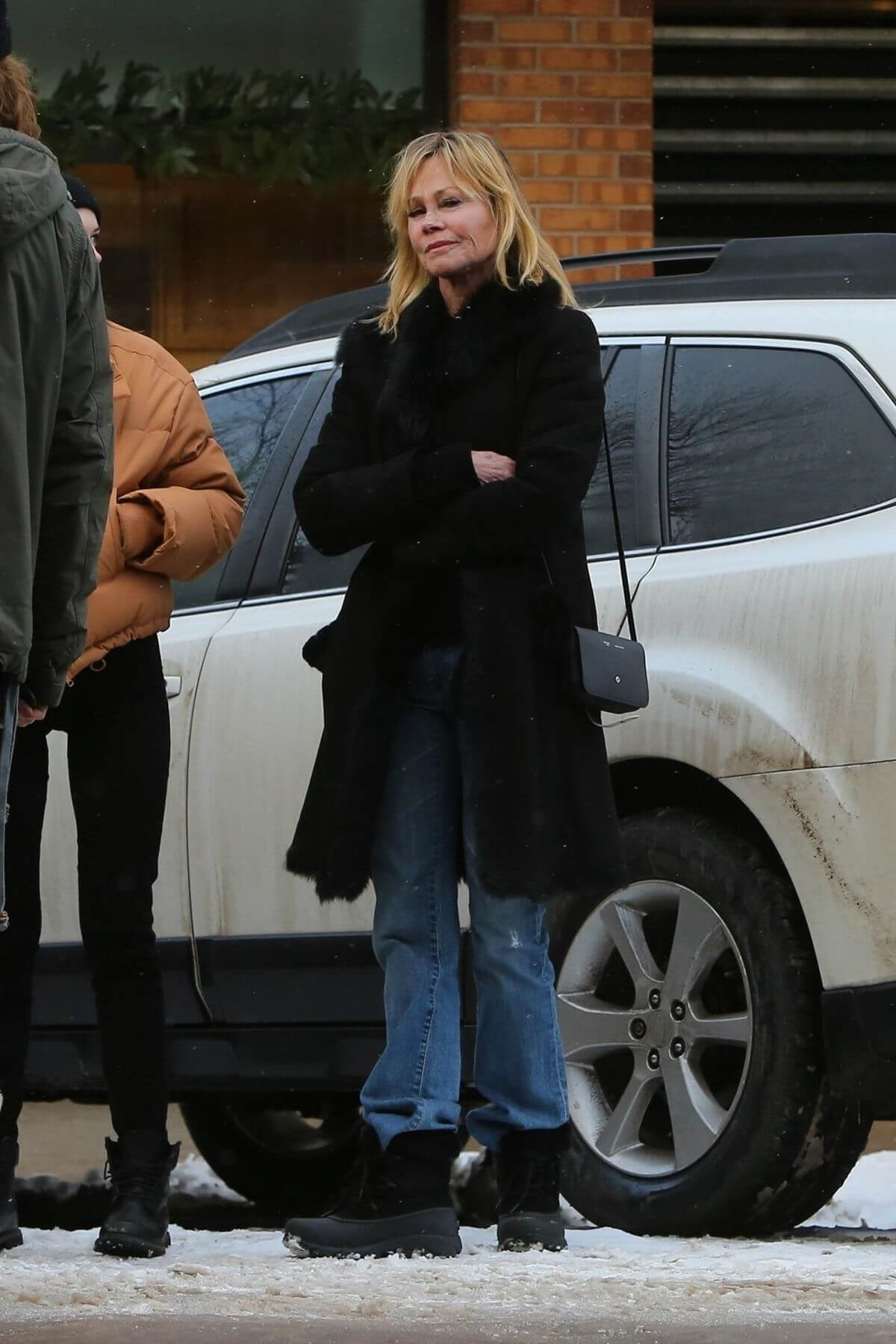 Melanie Griffith and Stella Banderas Out and About in Aspen 2018/12/27 1