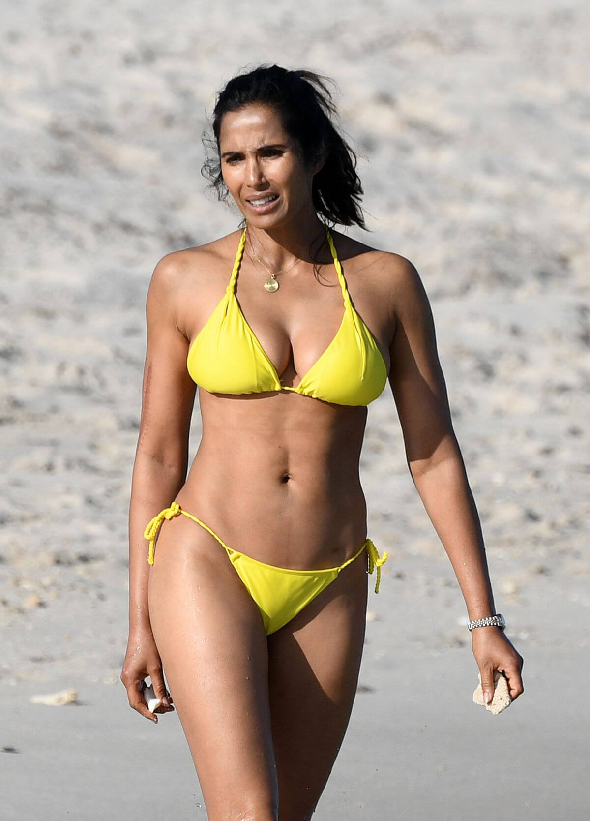 Padma Lakshmi in Bikini on the Beach in Miami 2019/01/05 1