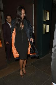 Rihanna Out for Dinner at Ours Restaurant in London 2018/12/28 4